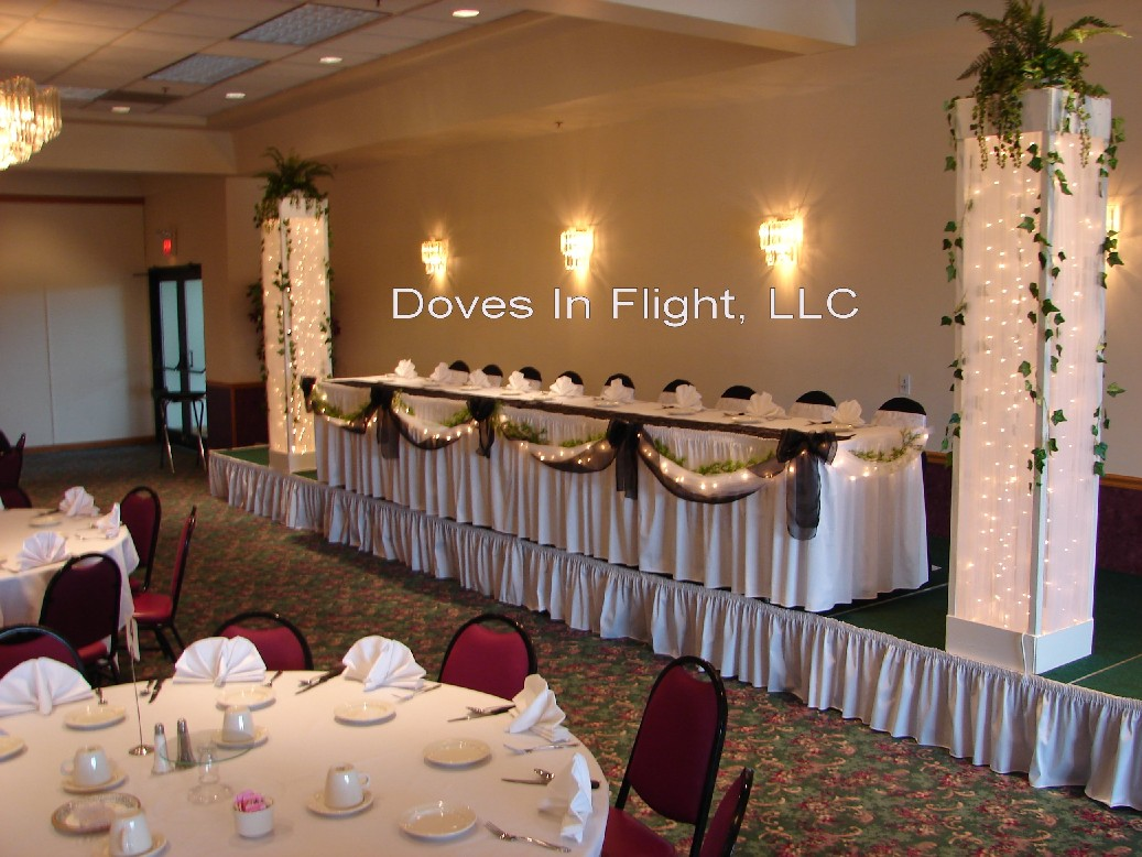 Chair Covers of Lansing: Table Decorations
